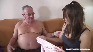 Stepdaughter's introduction in all directions older bobtail and that cookie can fuck