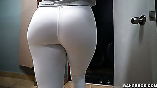 Nice natty yoga girl Keisha Grey loves riding dick right in an obstacle gym